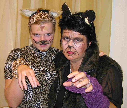 Grizabella-and-daughter